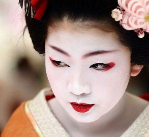 aff3941688317985184095e2e80cf54e--geisha-makeup-japanese-makeup